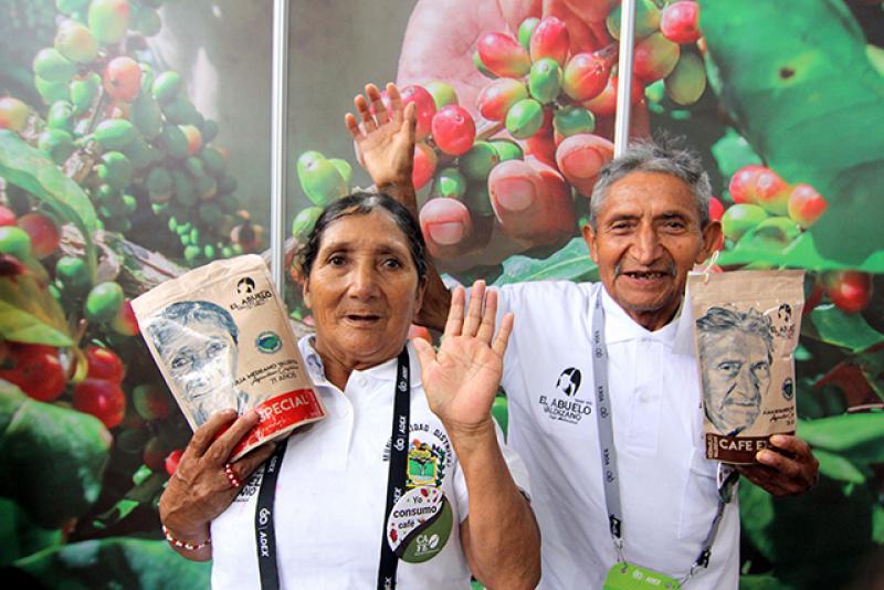 """""""Al consumir una taza de café 'El Abuelo Valdizano' estamos apoyando a un adulto mayor"""""""