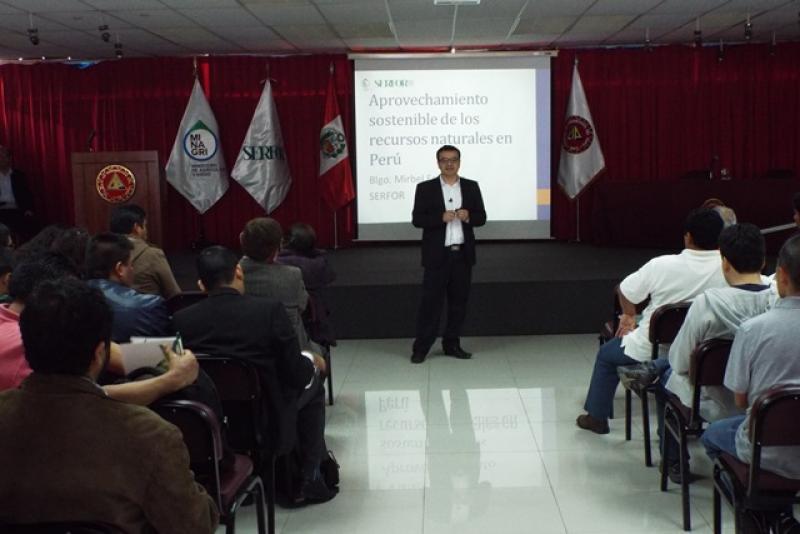 CAPACITAN A PROFESIONALES EN EL BUEN MANEJO DEL BOSQUE PARA SER REGENTES