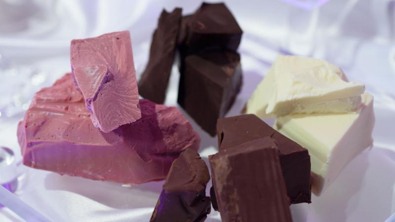Chocolates con sabor a rubí y a marihuana, la nueva moda
