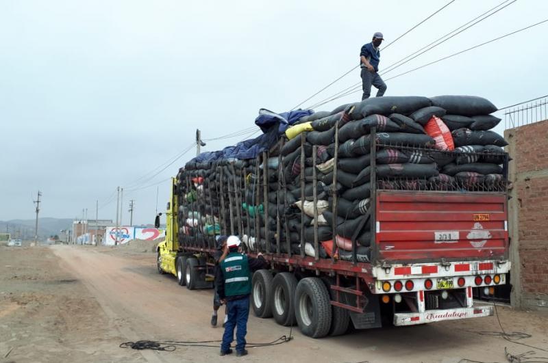 Decomisan más de tres toneladas de tara que se transportaban sin autorización