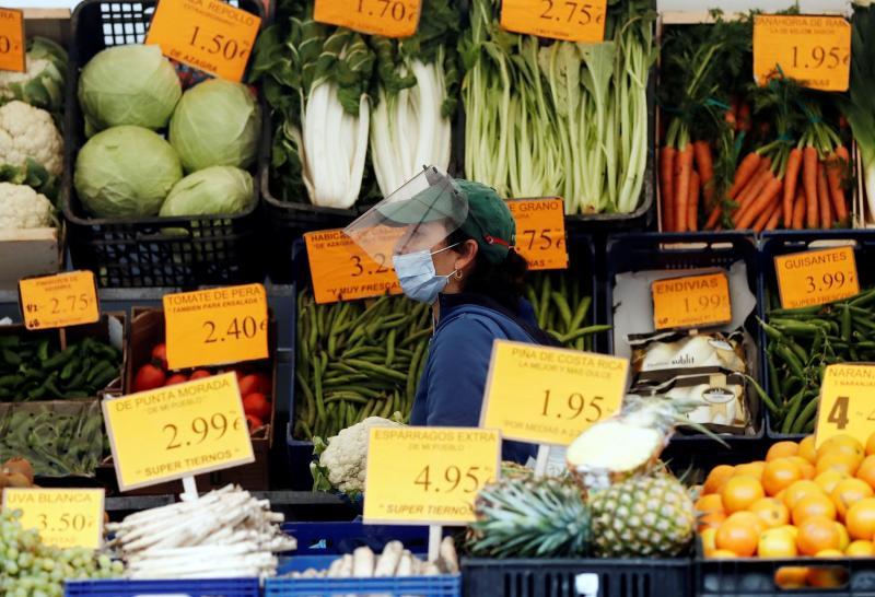 El 42% de las frutas y verduras en España tiene restos de plaguicidas