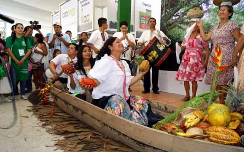 Entregarán utensilios elaborados con resinas de plantas en la venta de comida durante Expoamazónica