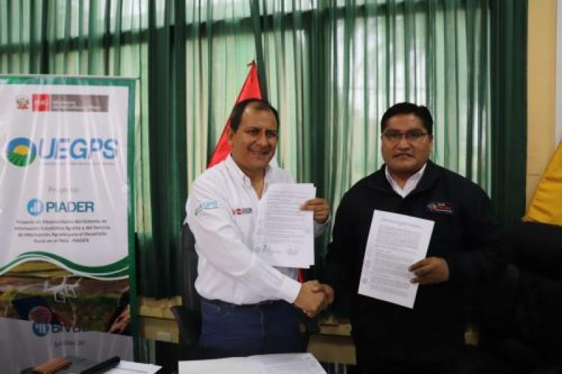 Firman convenio para implementar tecnología agraria en la región Tacna
