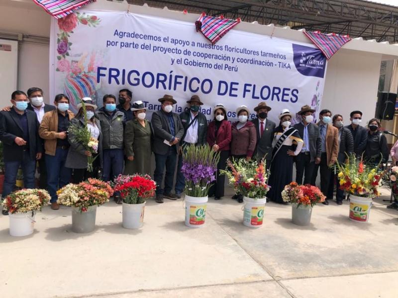 Inauguran cámara frigorífica de flores en Tarma