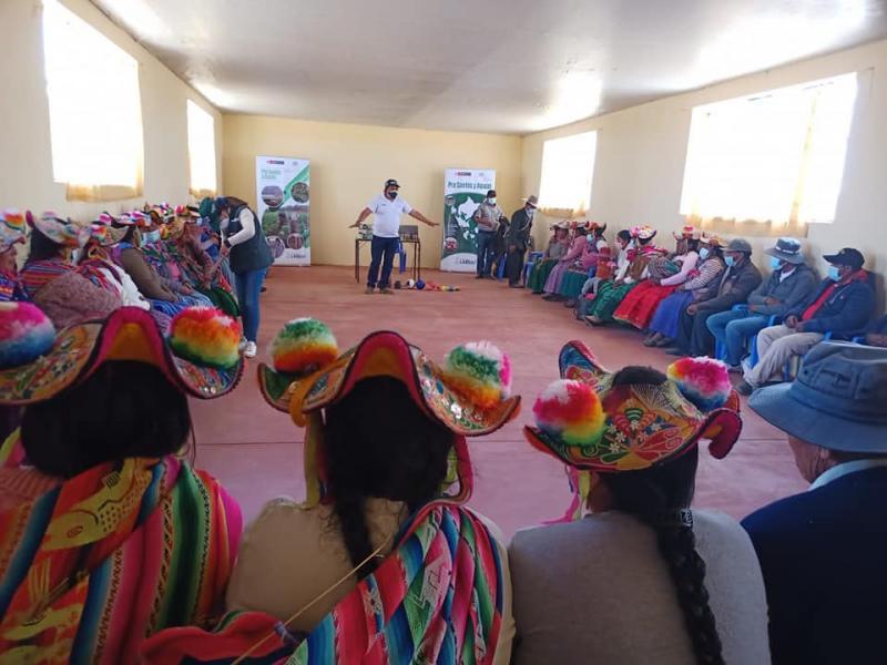 INIA capacita a agricultores de Churicanchi en cuidado de la calidad de suelos agrarios