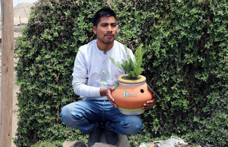 Joven ayacuchano crea 'Alinti', la maceta que produce energía eléctrica a partir de plantas