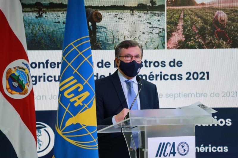 Manuel Otero es reelecto como director general del IICA