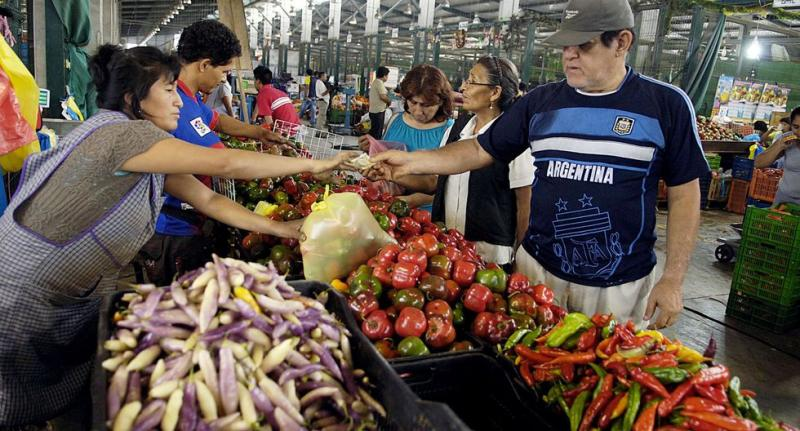 Mercados de Lima atenderán al público hasta 4 p.m. para evitar propagación del coronavirus