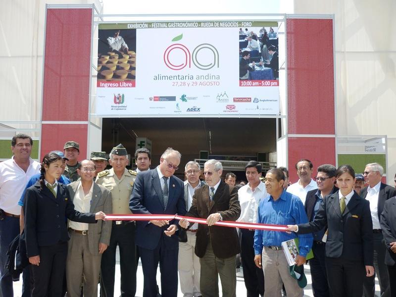 NEGOCIOS EN EXPO ALIMENTARIA ANDINA CAJAMARCA ALCANZARON LOS S/. 3 MILLONES