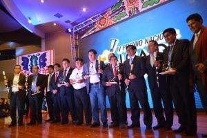 Alcaldes de nueve regiones fueron reconocidos como promotores del desarrollo productivo