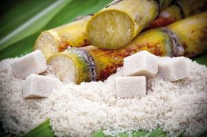 Colombia es destino del 98% de las exportaciones peruanas de azúcar de caña refinada