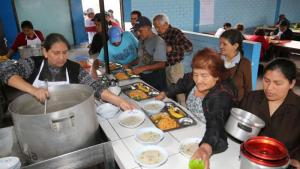 Congreso aprueba por insistencia ley que amplía apoyo alimentario a comedores