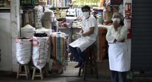 El 66% de peruanos de menores ingresos con problemas para surtirse de alimentos
