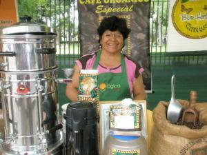 EL CAFÉ CRECE JUNTO A LOS PEQUEÑOS AGRICULTORES