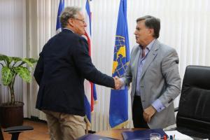 IICA y CIRAD renovaron convenio para impulsar bioeconomía e innovación del agro en América Latina y el Caribe