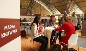 Más de 60 compradores de Estados Unidos, Europa y Asia llegan a Arequipa atraídos por las confecciones de alpaca