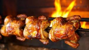 Mercado de pollos a la brasa en Perú movería más de S/ 4.000 millones este año