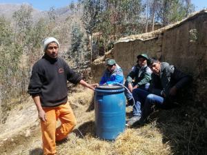 Pasco: pequeños agricultores aplican abono foliar elaborado con insumos orgánicos locales