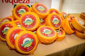 Sierra y Selva exportadora propone producción de quesos madurados para conservar la leche