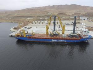 Terminal Portuario Paracas recibe dos grúas móviles valorizadas en más de US$ 10 millones