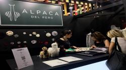 Alpaca del Perú destaca en la principal feria europea de hilados