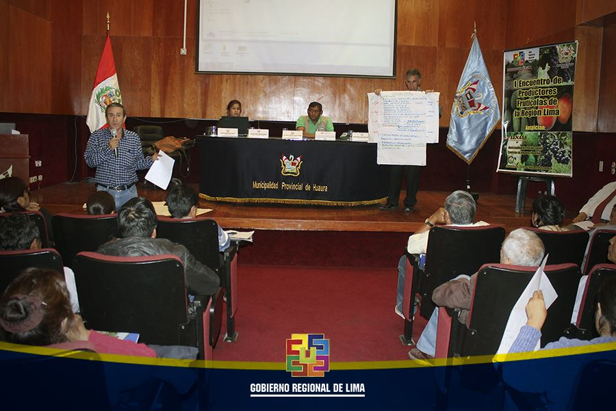 AGRICULTORES PARTICIPAN DE PRIMER ENCUENTRO DE FRUTICULTORES EN HUACHO