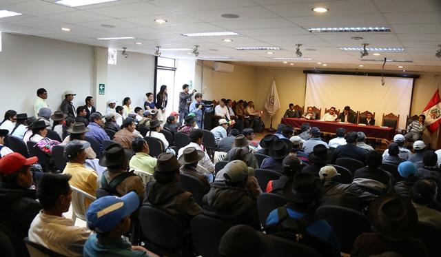 GR AYACUCHO FIRMA ACTA DE COMPROMISO CON COMITÉS DE REGANTES DE CACHI