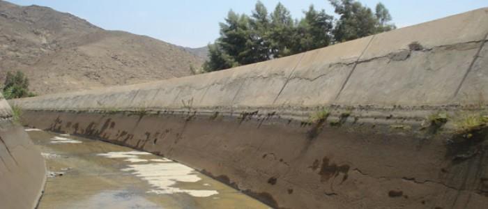 LABORES DE LIMPIEZA EN CANALES DE CHINECAS PRESENTAN UN AVANCE DEL 70%