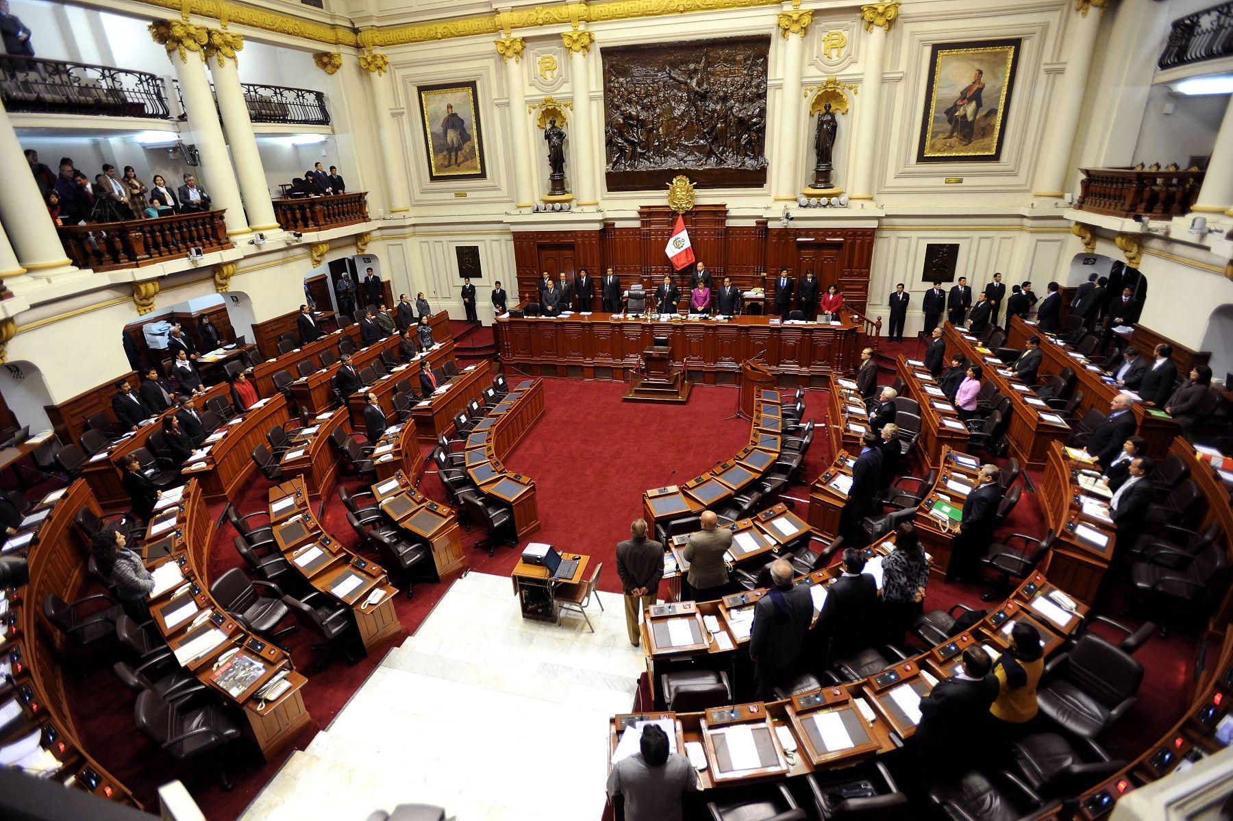 Piden al Gobierno observar autógrafa de ley que modifica el funcionamiento de organizaciones de usu...