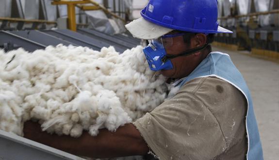"""""""El TLC con la India terminará de sepultar a la industria textil peruana"""""""