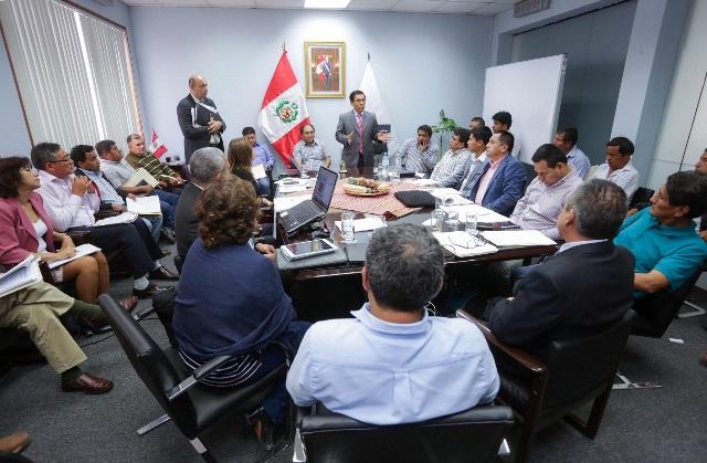 Ministro Hernández pide a Juntas de Usuarios actuar como veedores de las labores preventivas del Mi...