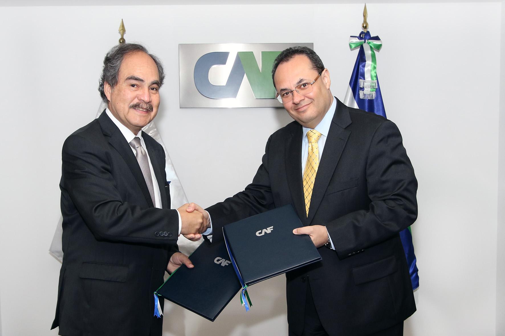 CAF y ADEX impulsan internacionalización de Mipymes