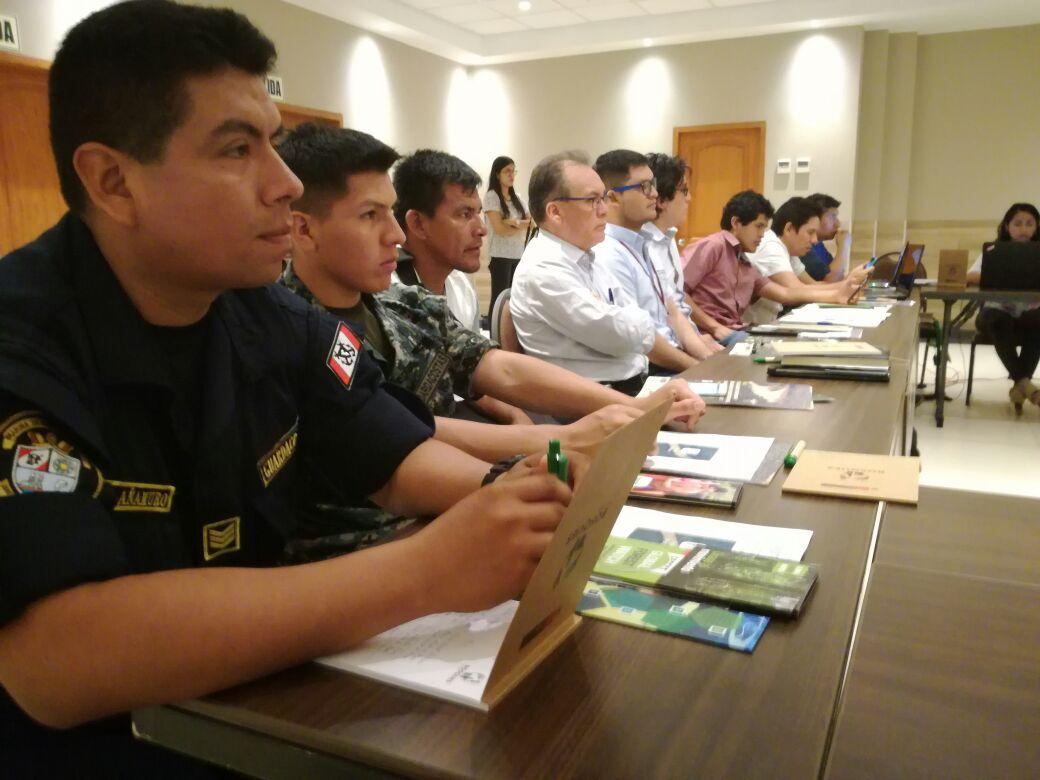 Mesa de Control y Vigilancia Forestal de Ucayali es capacitada en alertas tempranas de deforestación