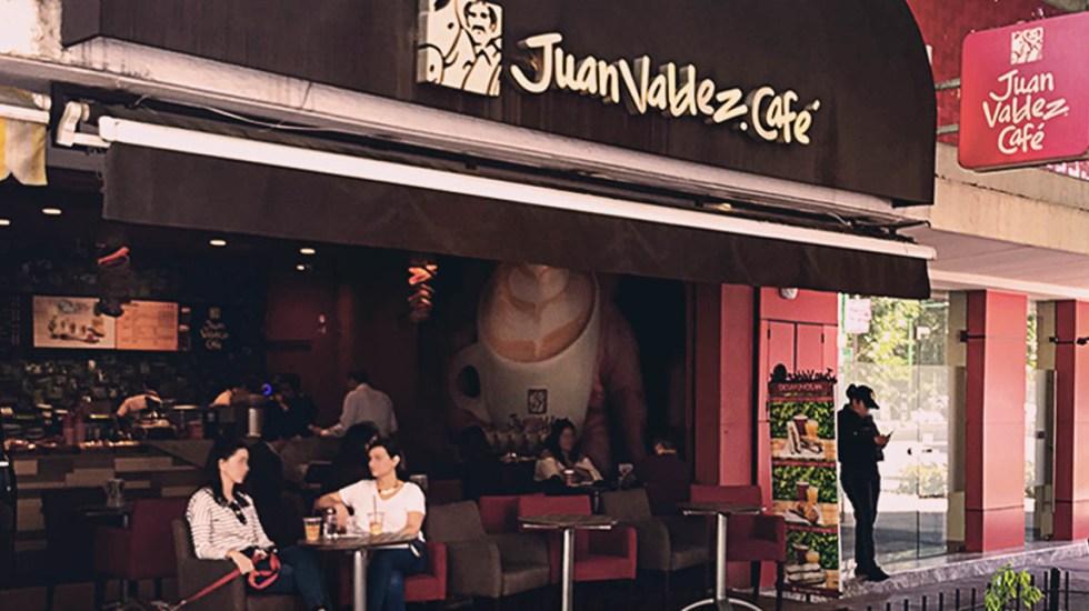 """La """"derrota"""" de Juan Valdez en México: ¿por qué se fue del país la principal cadena de café de Colombia?"""