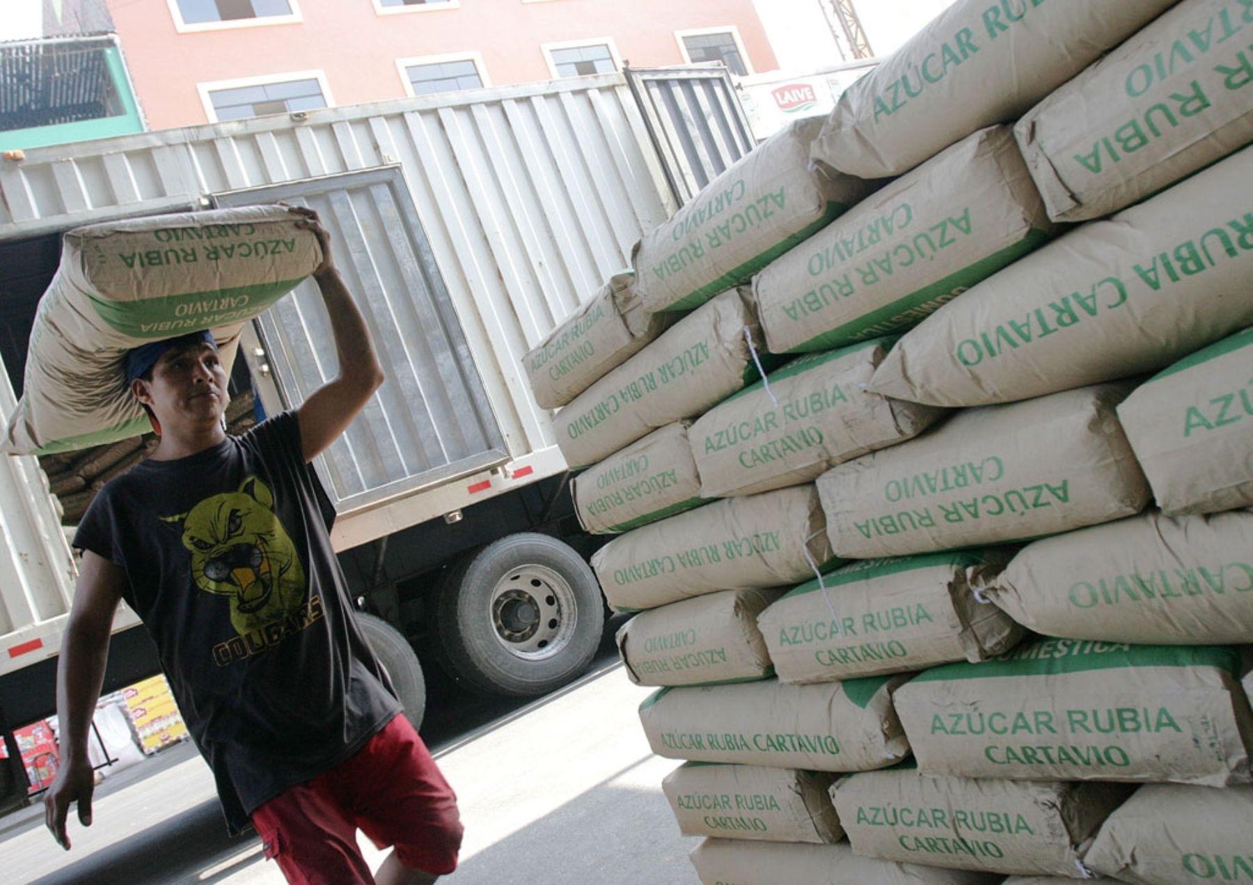 Actualizan precios de referencia para importación de maíz, azúcar, arroz y lácteos
